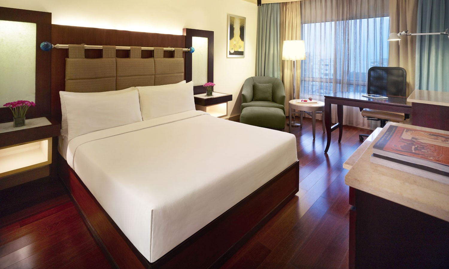 Double Bedroom Vivanta By Taj President Mumbai