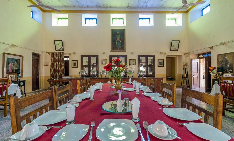 Restaurant, The Royal Castle Ghenerao