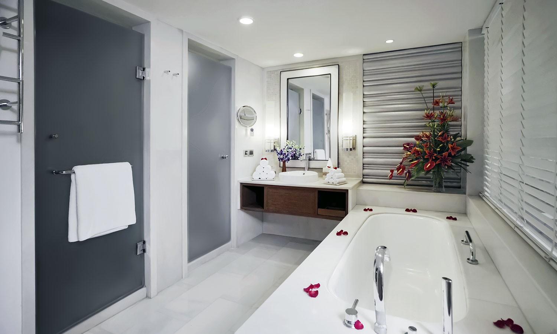 Bathroom ITC Mughal Aagra