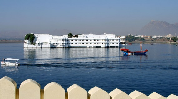 lake-palace-udaipur