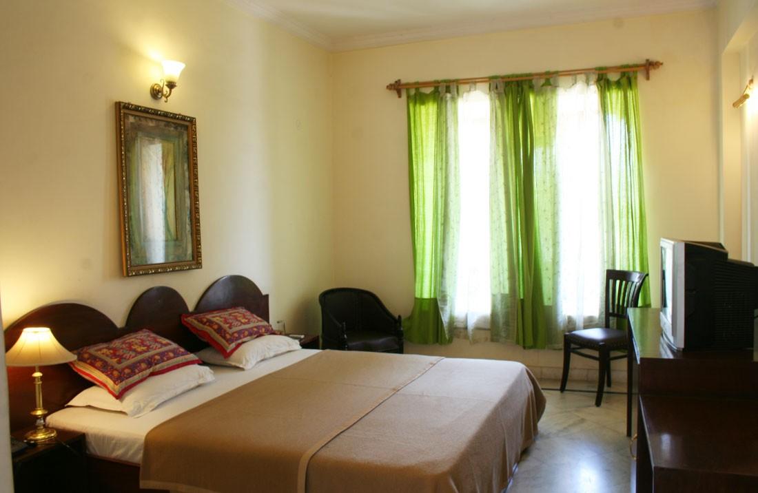 Double Bedroom, Hotel Pratap Palace