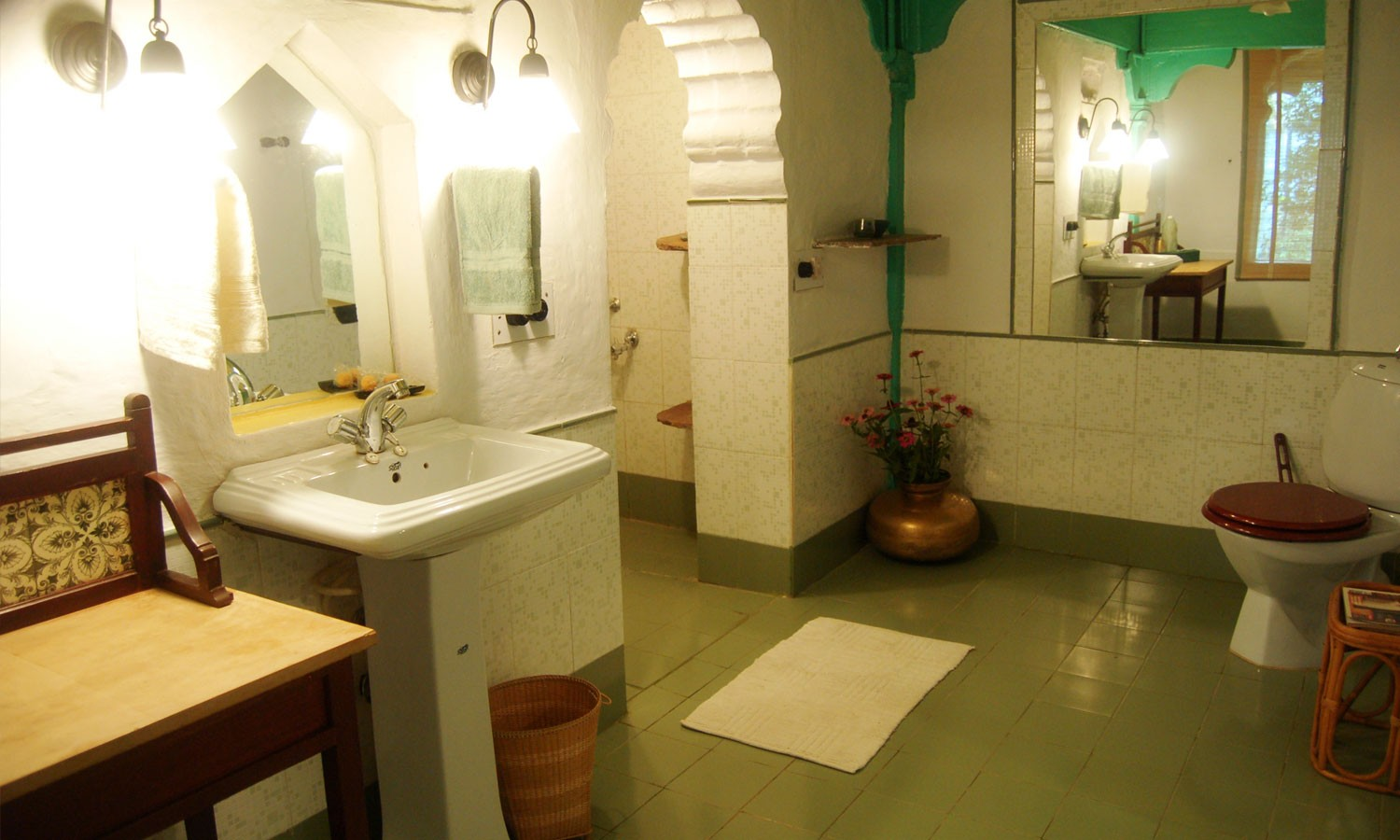 Bathroom, Maheshwar