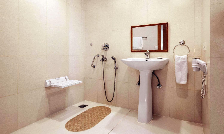 Bathroom The Ramada Jaipur