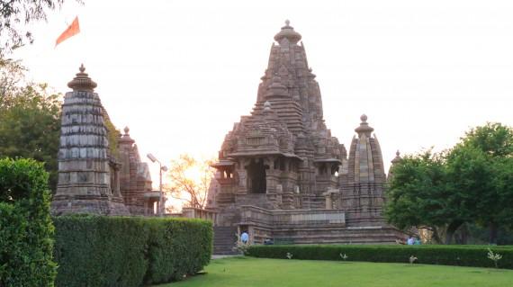 kandariya-mahadev-temple-khajuraho
