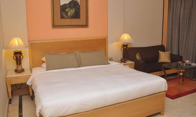 Deluxe Room The Hans New Delhi