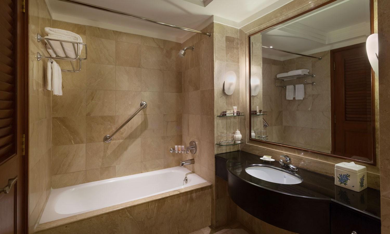 Bathroom, ITC Sheraton, New Delhi