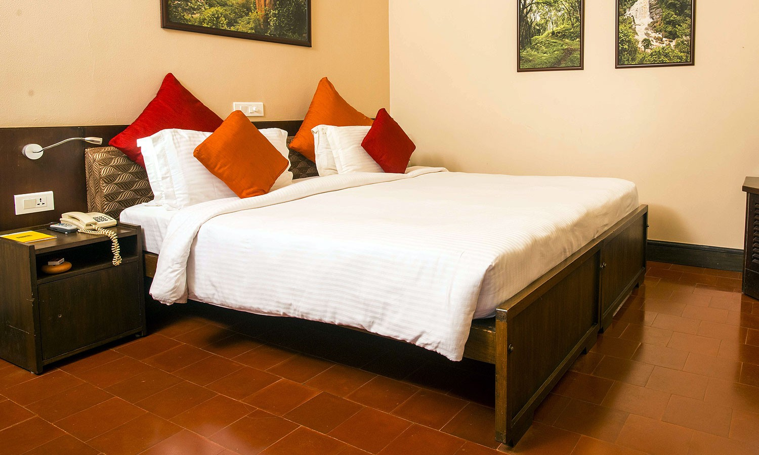 Double Bedroom Cardamom County Thekkady